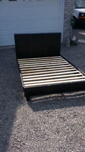 Leather bed set (dble)