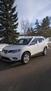 2016 Nissan Rogue SV SUV/ FOR SALE BY THE OWNER