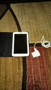 WHITE SAMSUNG GALAXY TAB 3 LITE INCLUDES CASE + CHARGER