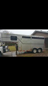97 Royal 2 slant horse trailer gooseneck