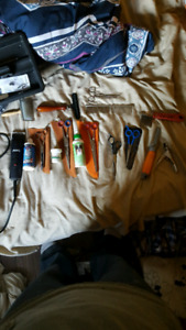 Grooming supplies, scissors and blades