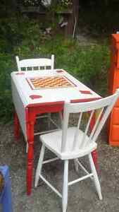 DROP LEAF ANTIQUE TABLE AND 2 CHAIR SET