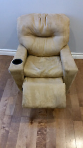 Kids faux suede recliner chair