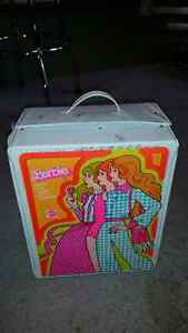 40 year old barbie 3 doll trunk for sale...........ONLY 19$..... London Ontario image 1