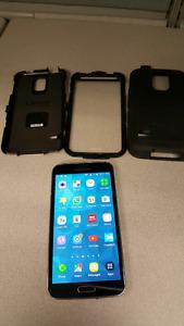 Unlocked Samsung Galaxy S5 With Otter Box