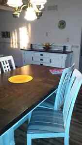 Dining table and hutch London Ontario image 1