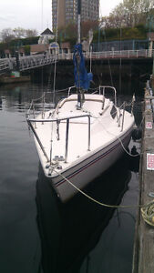 US 22 Sail Boat with Mooring buoy