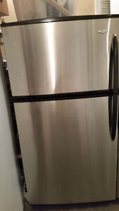 Maytag stianless steel Refrigerator 19 cu ft LIKE A NEW