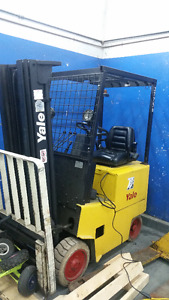 Yale Forklift / Charger