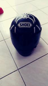 Casque shoei Medium.  Négociable