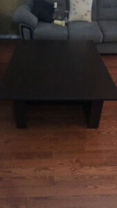 LIVING/FAMILY ROOM TABLE/COFFEE TABLE- $125 -beautiful condition