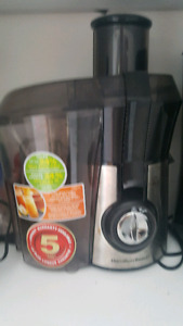 Rarely used Hamilton Beach fruit and vegetable juicer