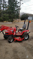 LIKE NEW UTILITY TRACTOR Massey Ferguson GC 2300