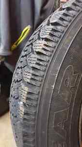 4 snow tires P185/75R14 Cambridge Kitchener Area image 4