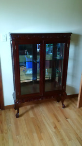 Beautiful and well maintained display cabinet