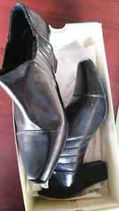 Madeline shoes brand new condition  Windsor Region Ontario image 2