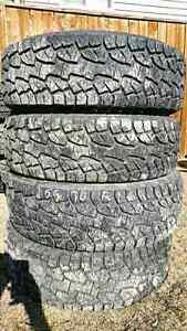 255/70R16 Hankook 4 tires All season