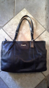 Coach 17721 Signature Gallery Leather East West Tote Handbag
