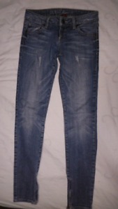 Guess Jeans 24x28