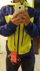 North Face Goretex Brand New spring rain jacket