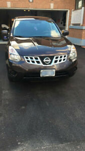 2011 Nissan Rogue - clean, great condition