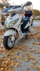LX Sport 150 Scooter