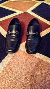 Mens size 8 Kenneth Cole dress shoes