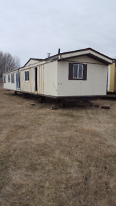 1977 Fleetwood 3 beds 1 bath Mobile Home - AB Delivery Included