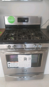 Gas stoves .slide ins .wall ovens floor model $599 and up