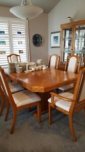 DINING TABLE, 6 CHAIRS & 2 PCE CHINA CABINET