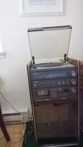 vintage Panasonic stereo system with speakers