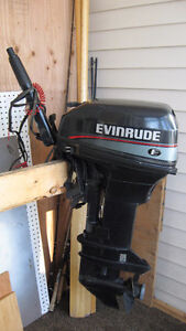 Evinrude 9.9HP Outboard Motor,Electric Start (1997)