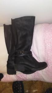 Skap woman's sz 8 black boots
