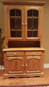 Oak Dining Room set. Make us an offer, this is nice furniture.