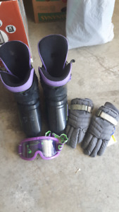 Ski boots (size 7, Gloves and Mask