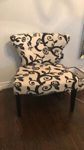 Black and white floral lounge chair