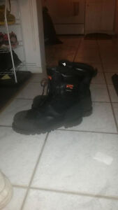 Work boots 13