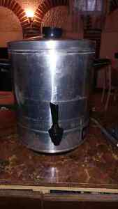 Party coffee dispenser. Silver.