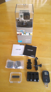 Go pro Hero 3+ Silver Great condition PLUS remote AND accesories