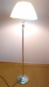 Excellent Condition Floor Lamp with Swivel Neck