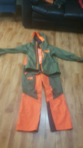 Helly Hansen snowboarding/skiing pants and jacket