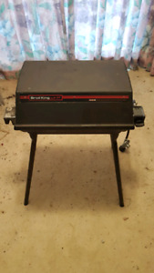 Portable broil king bbq