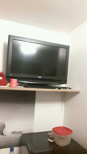 24 Inch flatscreen TV for sale!! must go!