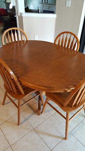 Kitchen Table and 4 Chairs; solid wood, honey oak finish