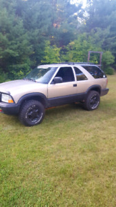 2005 GMC Jimmy 4x4 With 2.5 inch RC lift