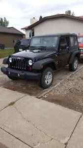 2013 jeep wrangler sport ONLY 14,000KMS!!