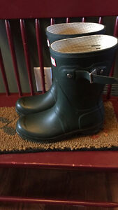 Short Green Hunter Boots Size 7 with Socks London Ontario image 3