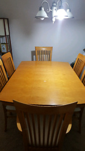 6 seat dining room table with extra leaf