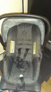 evenflo Car Seat (4-35lbs) (1.9-15.8kg) 50$