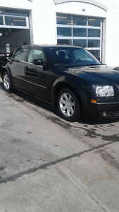 2005 Chrysler 300- full equiper Berline en tres bonne condition
